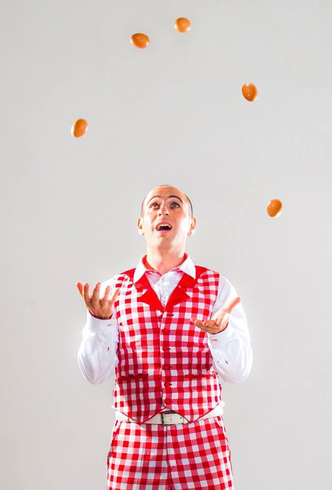 Comedy-Juggler-Italy-1.jpg