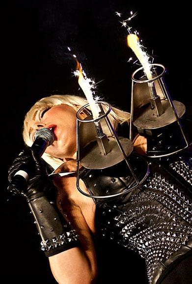 Lady-Gaga-Tribute-Donna1.jpg