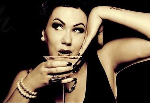 female-vintage-vocalist-1.jpg