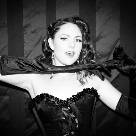 img_Burlesque-Performer-Bella-main.jpg