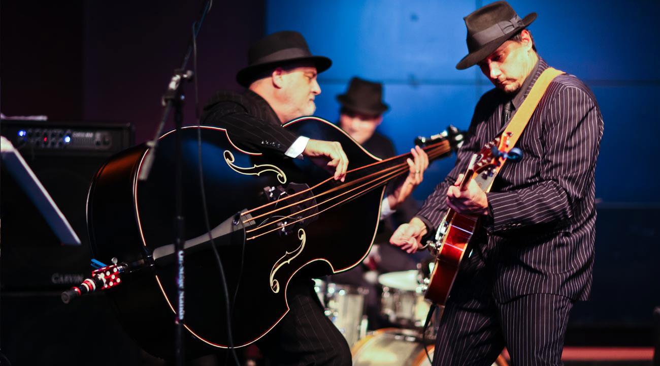 Gypsy-Jazz-Swing-Band-2.jpg