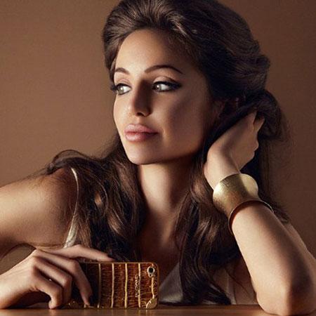 img_Angelina-Jolie-Lookalike-Main.jpg